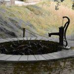 ¿Qué condiciones geográficas son esenciales a la hora de buscar agua?